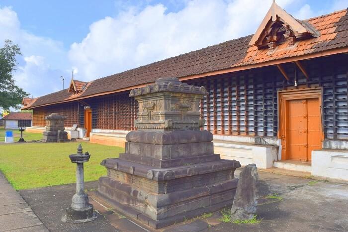 Peruvanam Mahadeva Temple thrissur