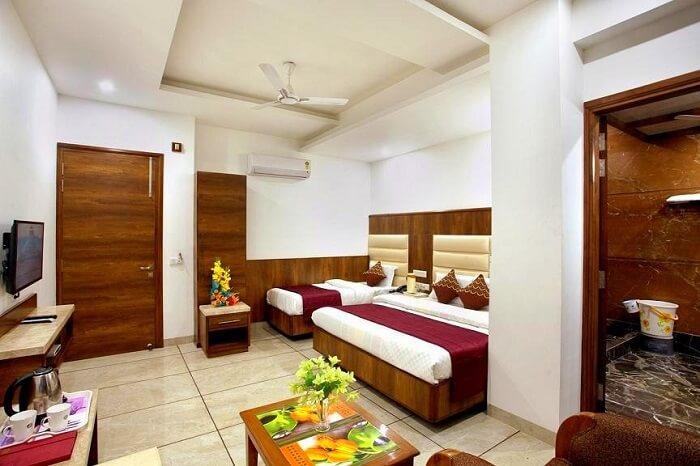 stay at The Grand Inn jammu