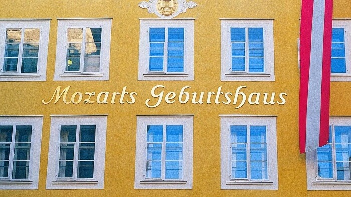 Tour the famous residence of Mozart in salzburg