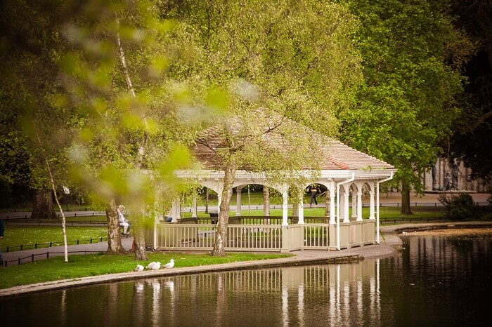 Unwind amid nature at St. Stephen's Green Dublin