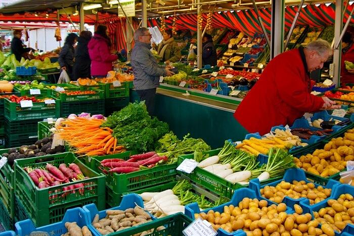 Visit a farmer's market in salzburg