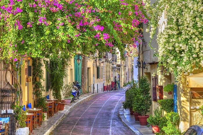 Walk through the Plaka in athens