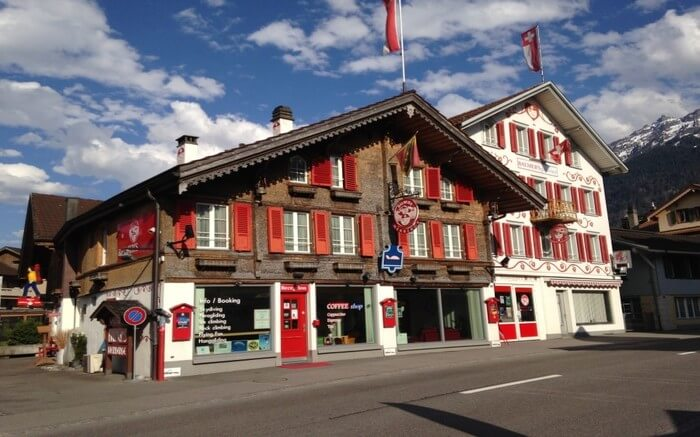acj-1704-hostels-in-switzerland (16)