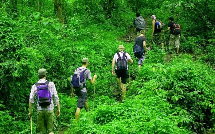 acj-trekking-in-kandy (2)