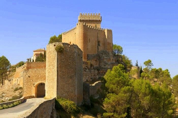 Alarcon castle spain