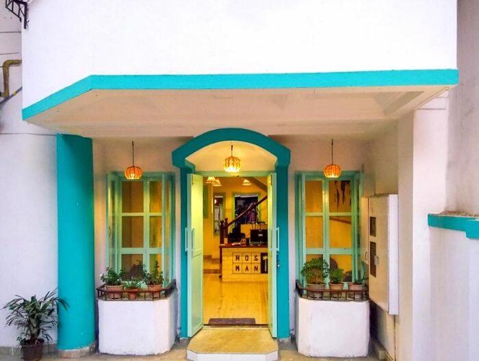 hostel mantra andheri