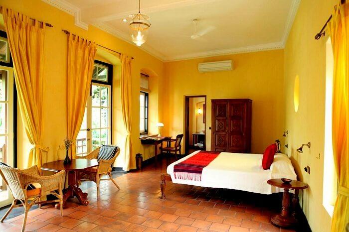 old harbour hotel in kerala