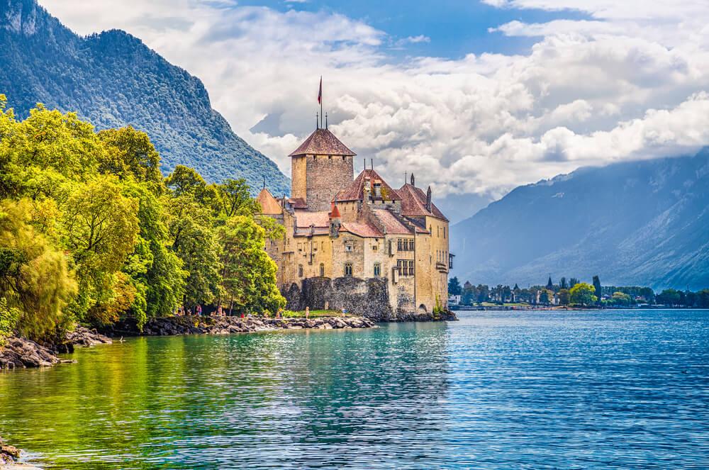 shutterstock_377524567-Lake Geneva