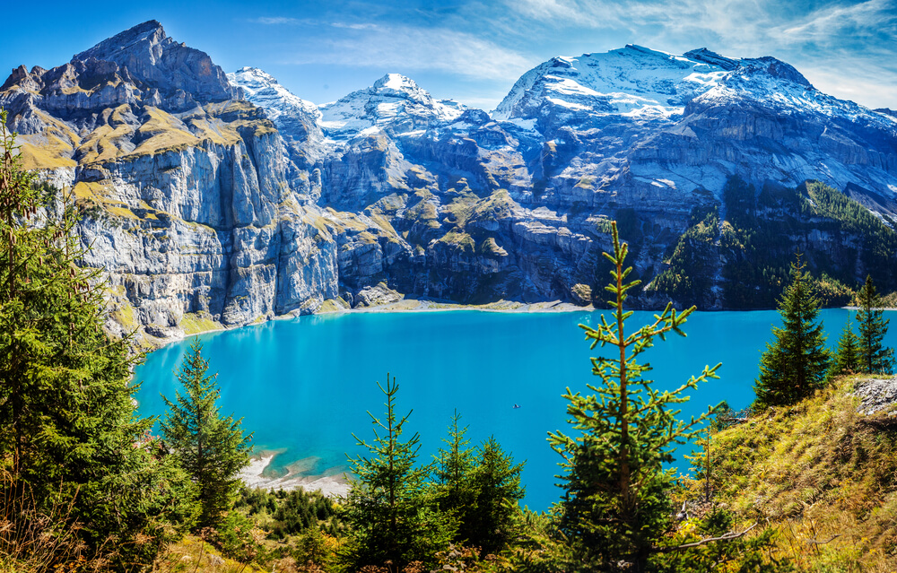 Oeschinensee lake