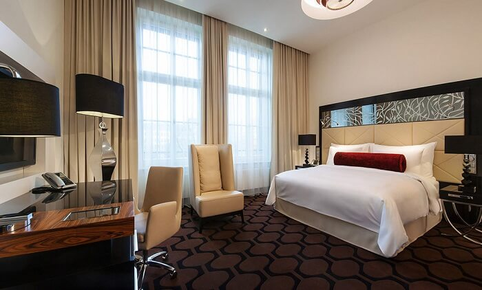 stay at Hotel Am Steinplatz, Berlin germany