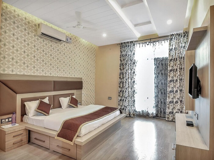 stay at OYO 9744 Hiraeth Homestay jaipur