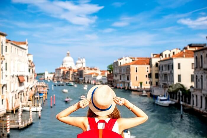 venice plans to segregate locals & tourists