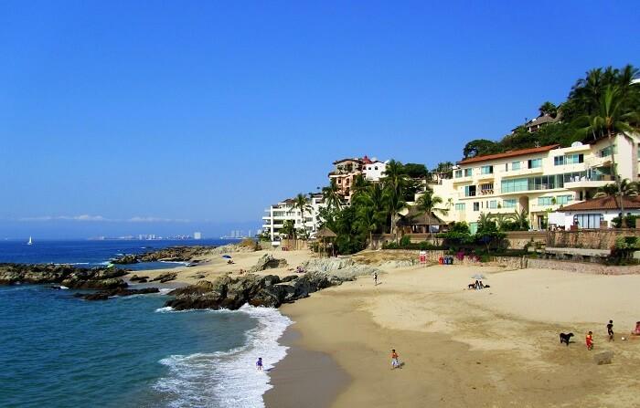 Conchas Chinas Beach