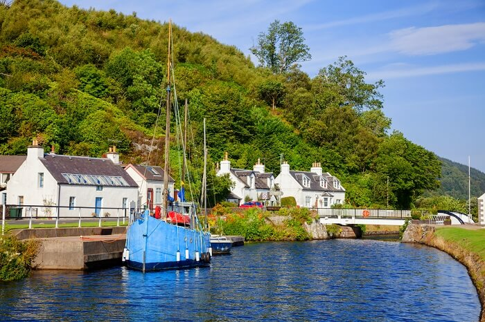 Go Cruising on the Crinan Canal on a vintage steamship scotland