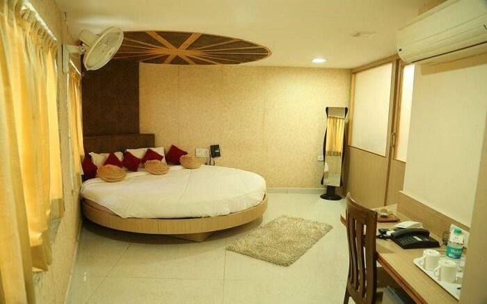 Hotel Mangalam ss14052018