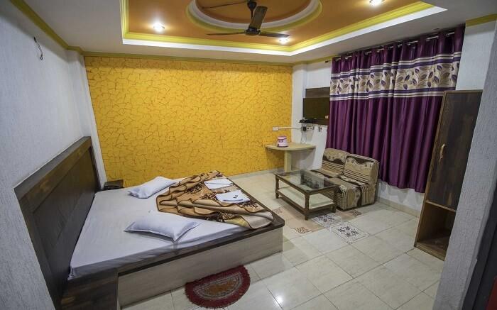 Hotel Natraj - Luxury in budget category ss09052018