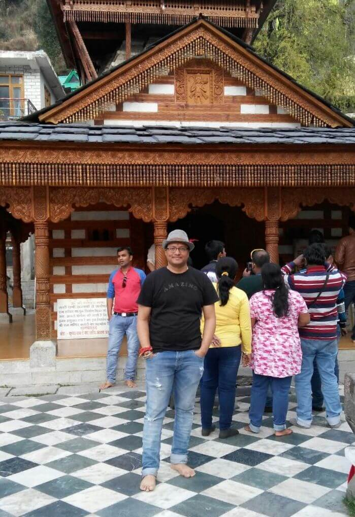 kuldeep manali honeymoon trip: kuldeep at vashisht temple