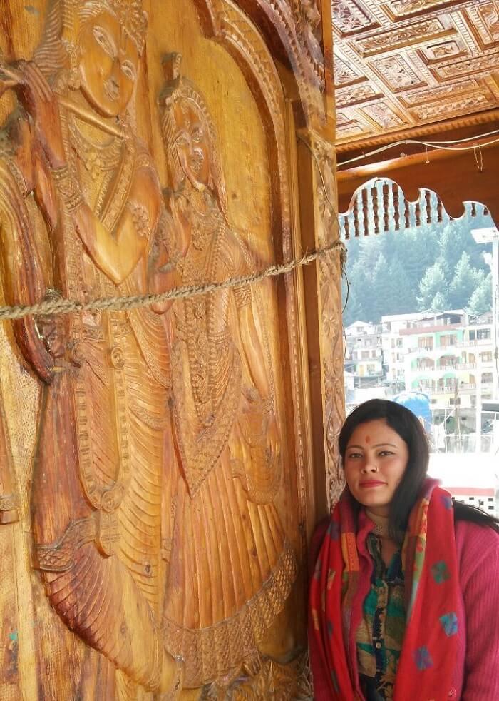 kuldeep manali honeymoon trip: at temple