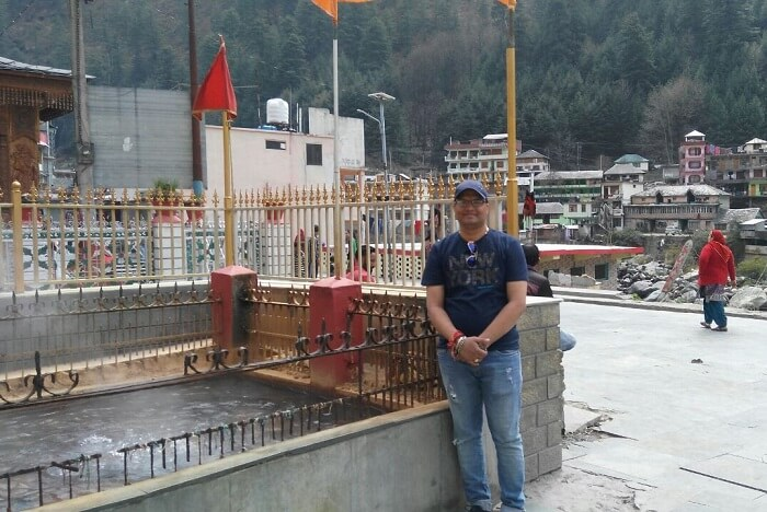 kuldeep manali honeymoon trip: manikaran temple hot spring