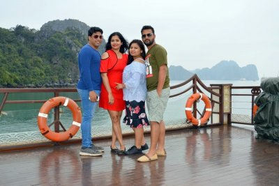 pallavi vietnam family trip: together on cruise
