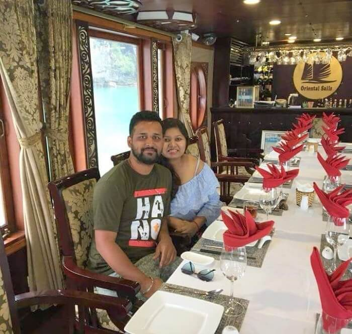 pallavi vietnam family trip: restaurant in cruise