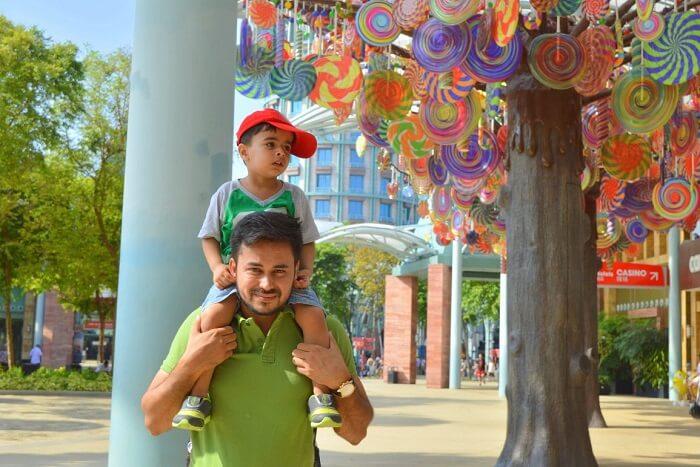 anshu singapore trip: outside candylicious