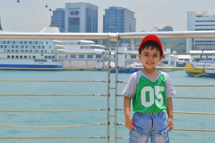 anshu singapore trip: near waterfront