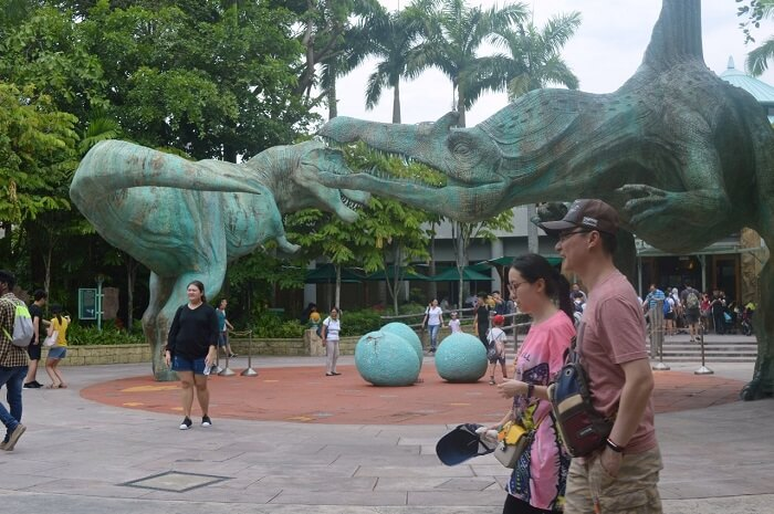 anshu singapore trip: dinosaurs