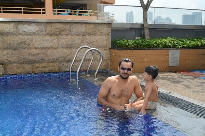 anshu singapore trip: sushant with son in pool