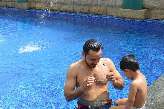 anshu singapore trip: sushant with son in swimming pool