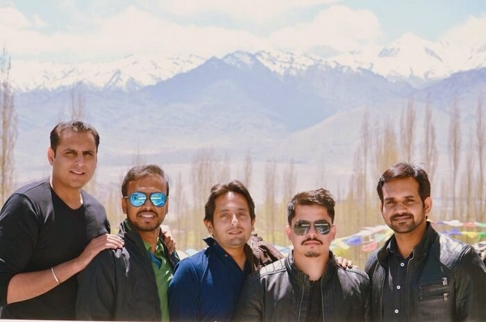 group of friends in leh
