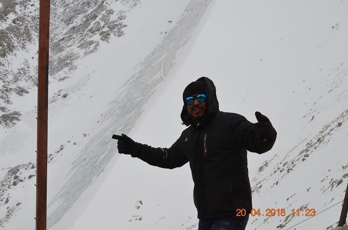 enjoying in ladakh's snowfall