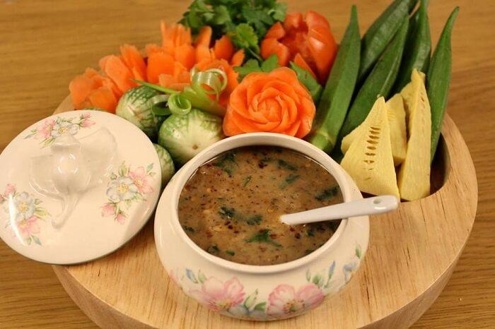 Fancy serving of Ngapi Yay