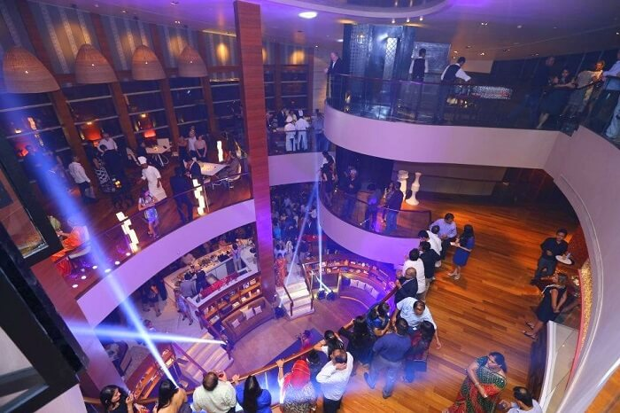 Charmingly seductive, Pasha is one of the best night clubs in Chennai.