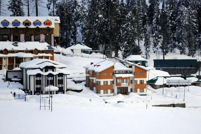 stay at Welcome Hotel Gulmarg kashmir