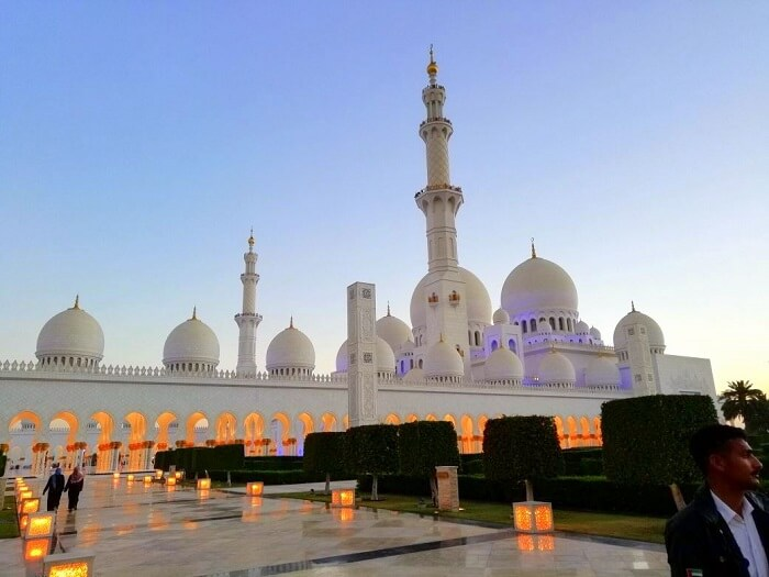 ashish singhal dubai honeymoon trip: sheikh zayed mosque