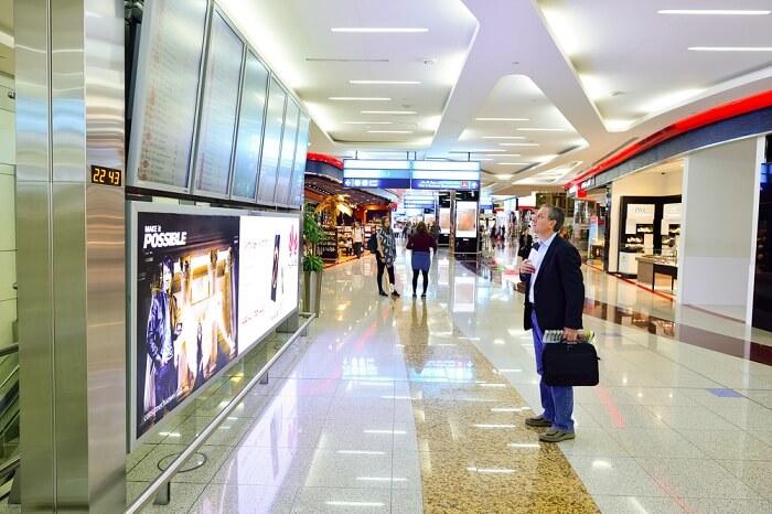 dubai metro convinient way to reach