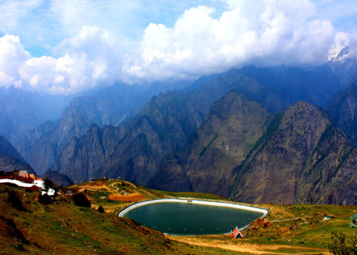 artificial lake auli