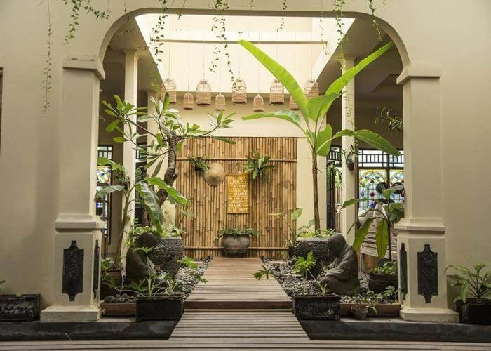 The entrance of Bamboo homestays