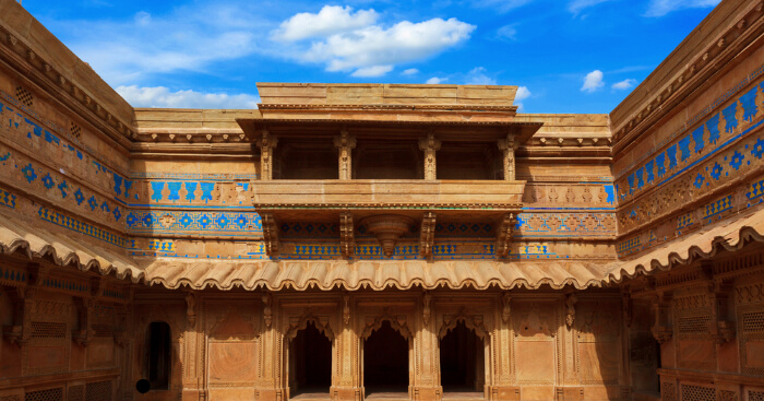 the gorgeous architecture of Gwalior Fort