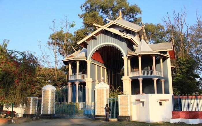 entrance of Kangra Palace ss01052018