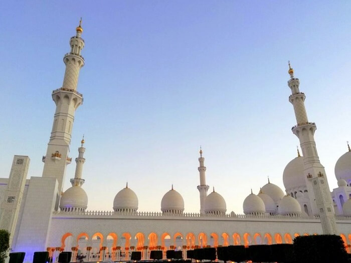 ashish singhal dubai honeymoon trip: sheikh zayed mosque exterior