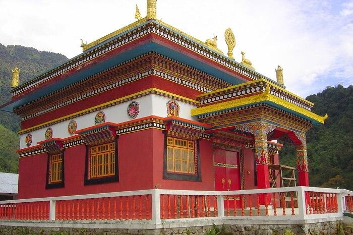 visit lachen monastery