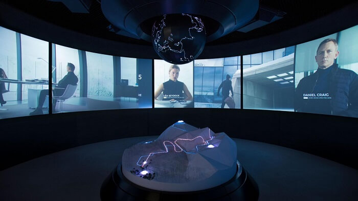 007 Elements-bond-museum-briefing-room