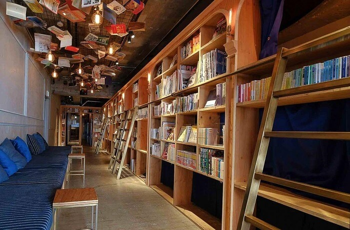 Library hotel in Japan