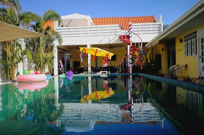 Barefeet Naturist Resort