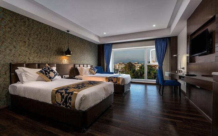 Hotel Saffron Crest in Siliguri