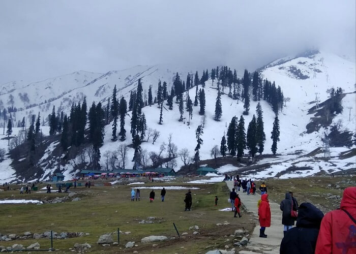 beautiful view of gulmarg in snow