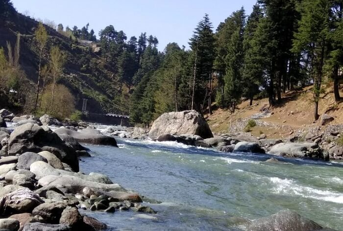 lidder river in kashmir