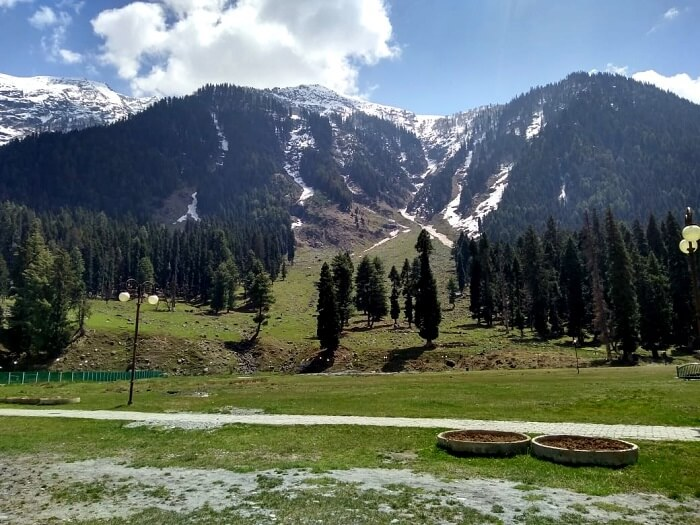 gorgeous views of bature in pahalgam